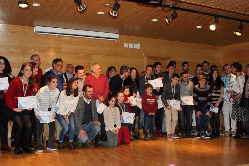 foto familia gala deporte pilona