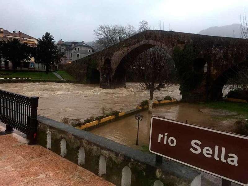 inundaciones-puente-romano-cangas