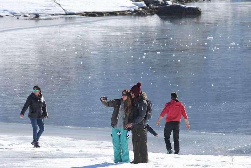 los lagos de covadonga, ercina y enol, congelados