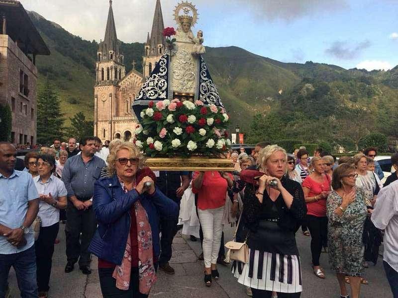 novena-covadonga-procesión