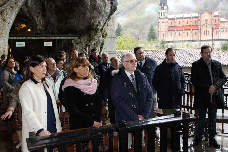 ofrenda-codis-santina-covadonga
