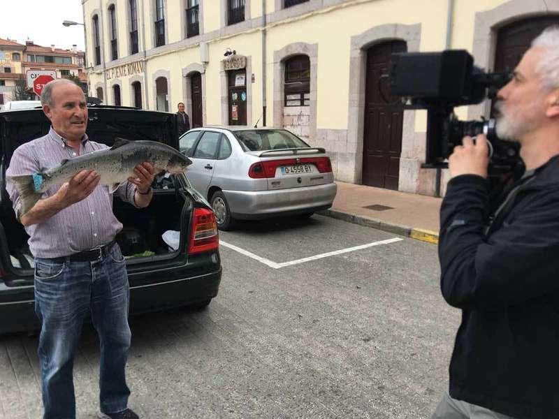salmón-bourdain-cnn-cangas-onis