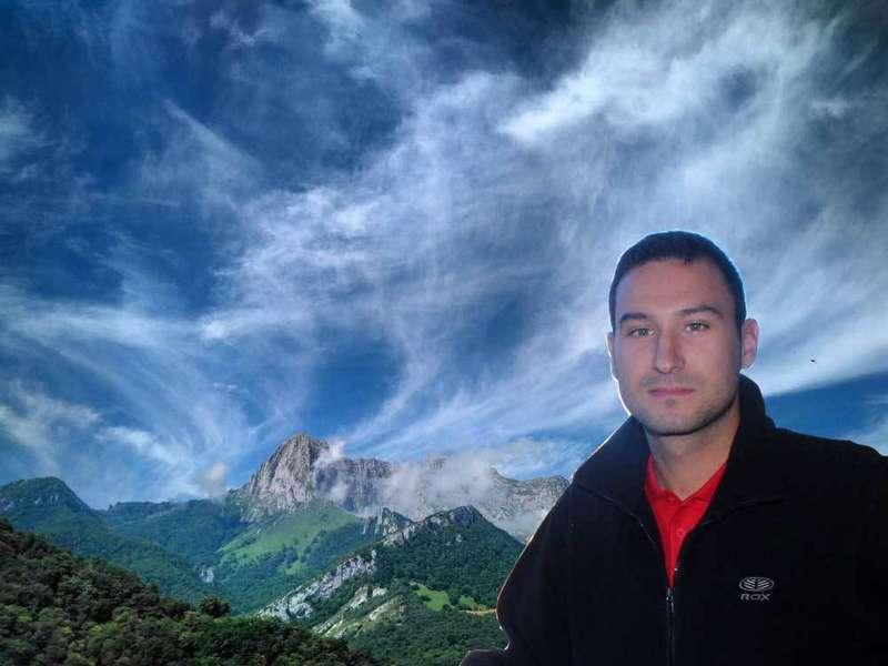 Javier Martinez, un ovetense detrás de las nubes por Ponga